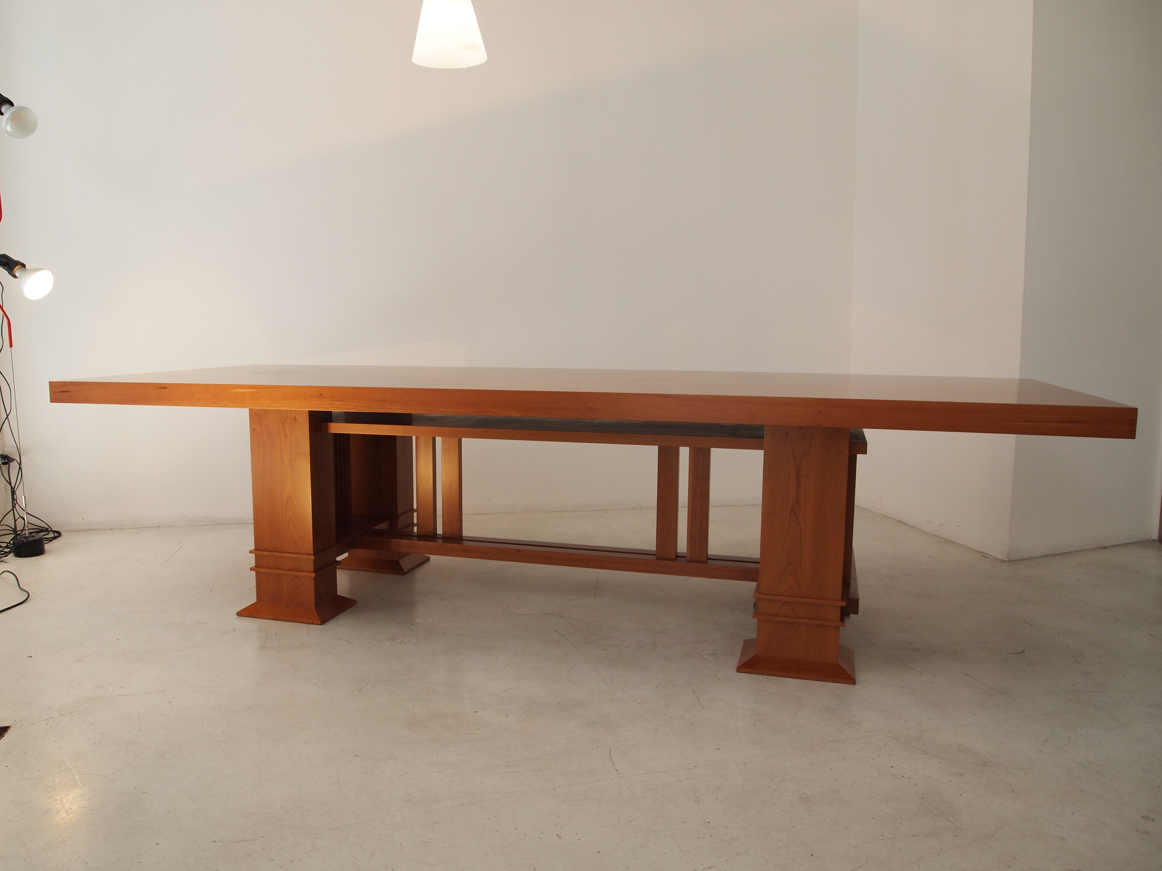 ALLEN table design Frank Lloyd Wright original Cassina made in Italy