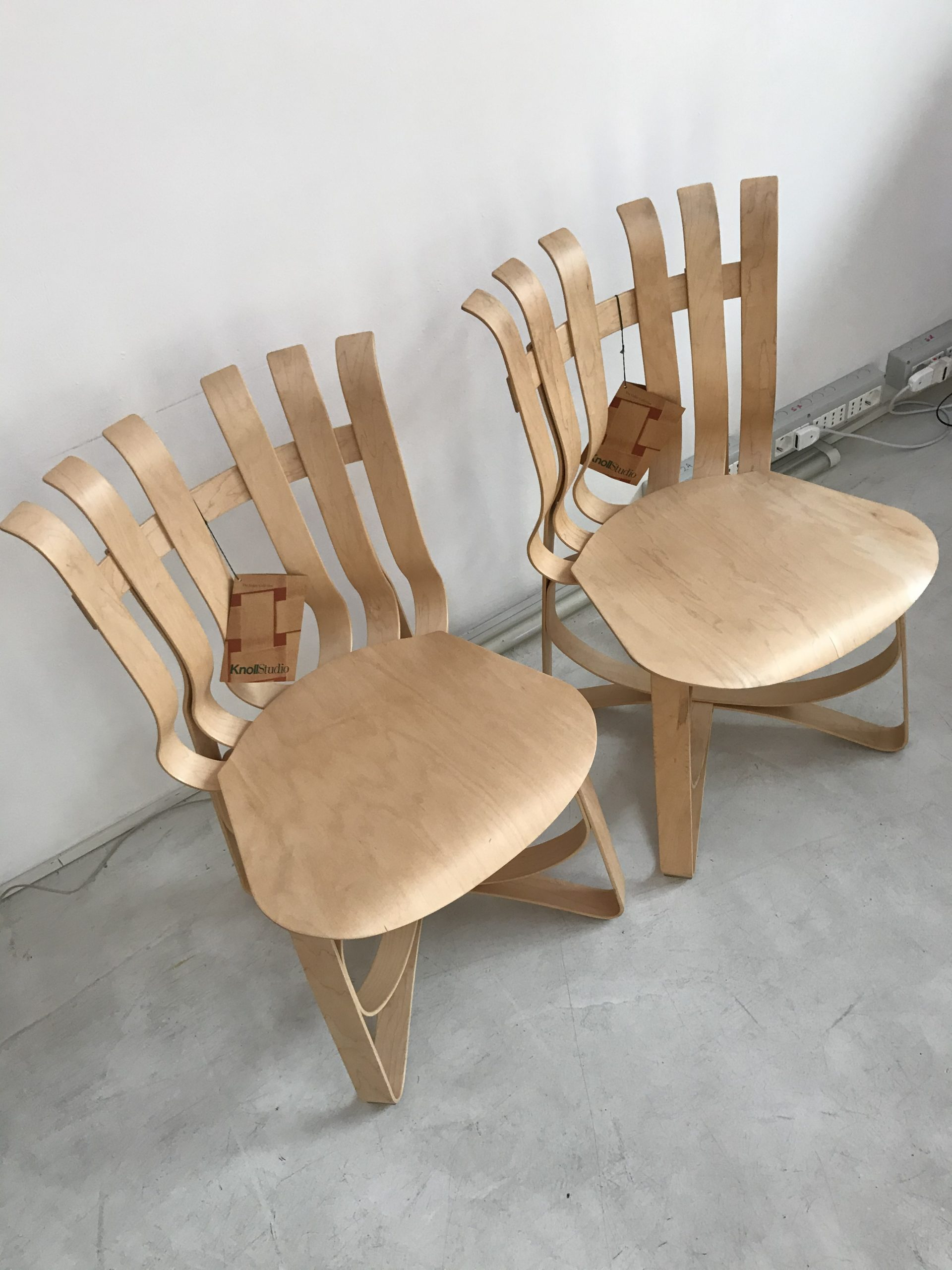 Chair Frank Gehry Knoll Hat Trick