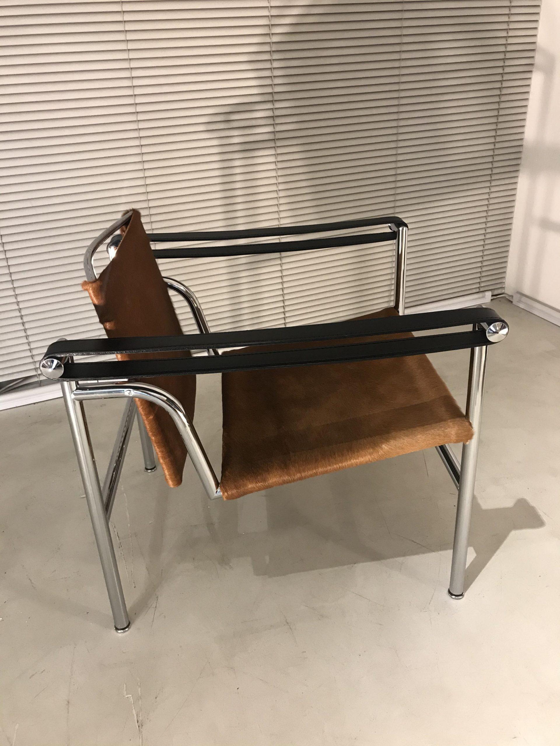 LC1 Le Corbusier Cassina original design made in Italy